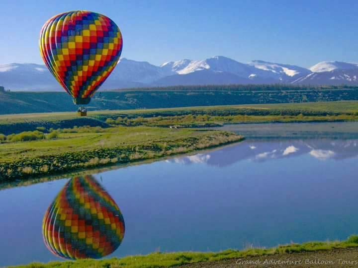 Beautiful Balloon Ride in Rockies