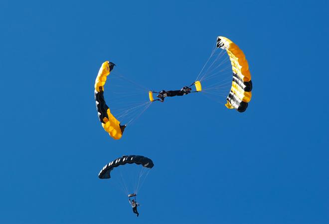 Tandem Skidiving With Skydive Phoenix Inc