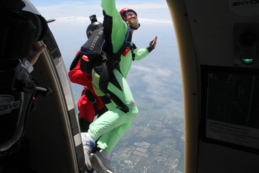 Learn to Skydive Solo in Kansas City