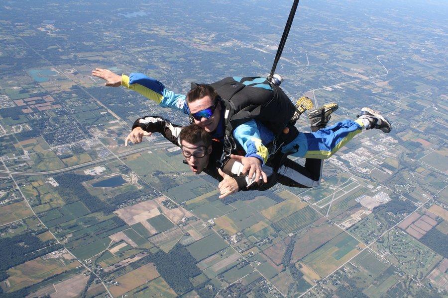Detroit Tandem Skydiving