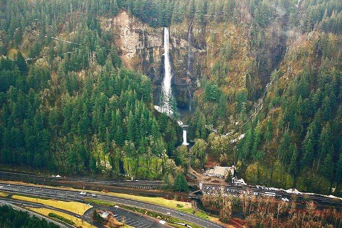 Portland Air Tour of Multnomah Falls