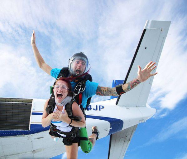 Tandem Skydiving in Williamstown