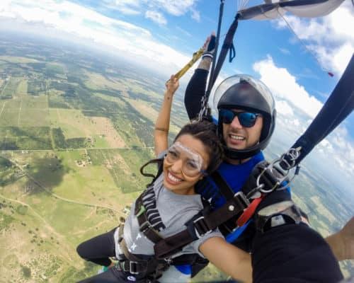 Tandem skydiving in Luling
