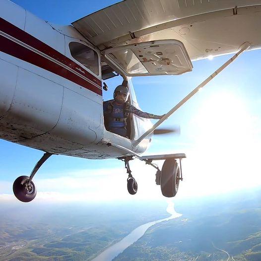 Tandem Skydiving with West Virginia Skydivers