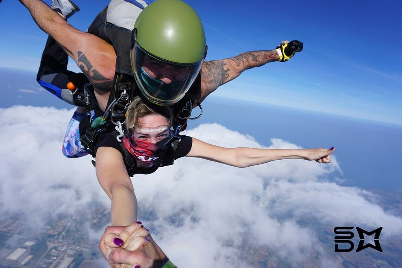 Tandem Skydiving with Skydive Midwest