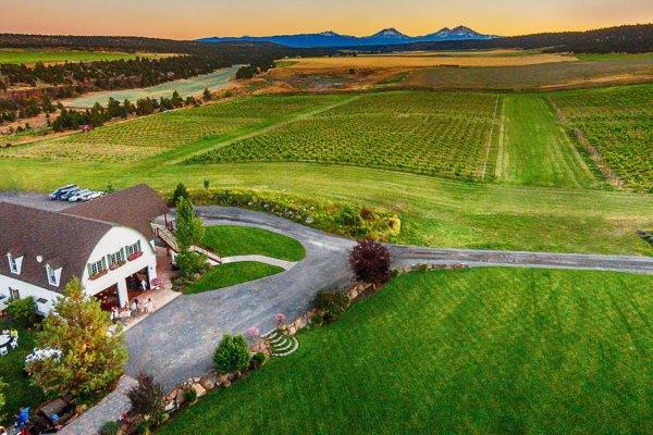 Central Oregon Helicopter Wine Tasting Tour