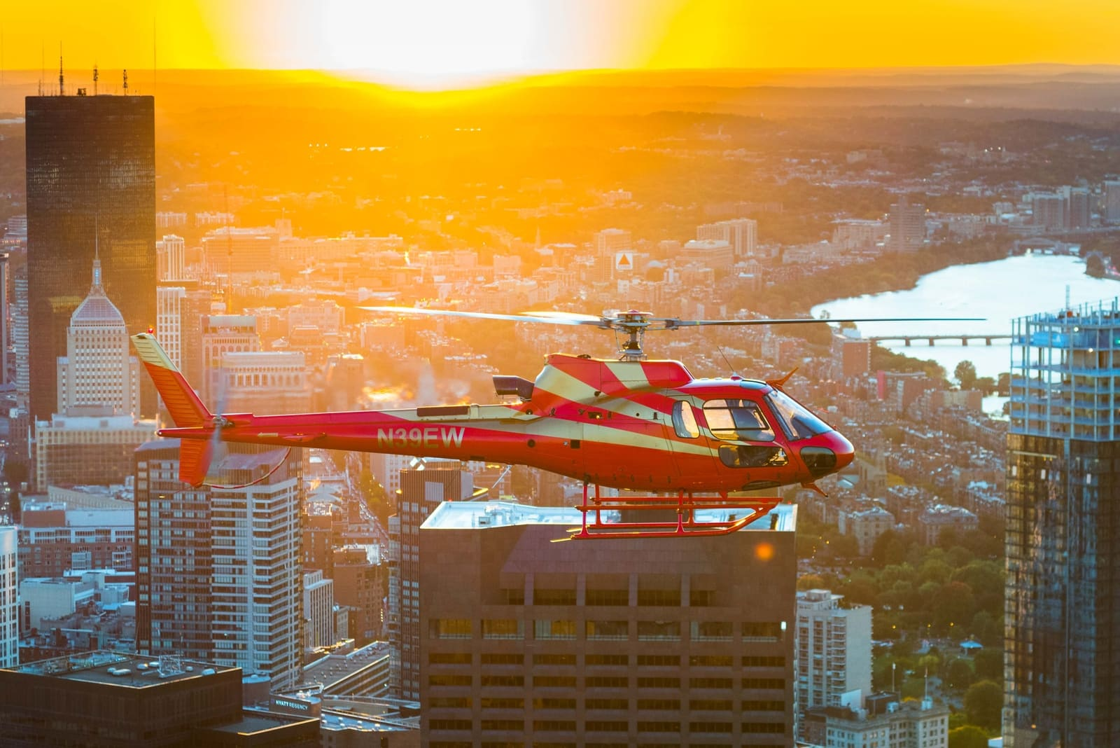 Tuckamore Aviation - Boston Helicopter Tours