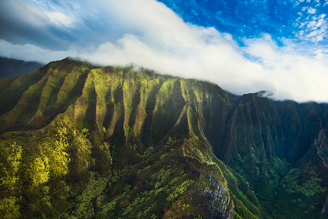 Rainbow Helicopters - Path to Pali Passage