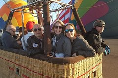 One Hour Hot Air Balloon Flight with Wine Tasting & Breakfast