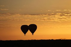 Early Morning Ballooning in Alice Springs